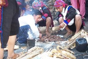 April 7 - Utatlan (Gumarkaj) - preparing ceremony2